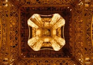 Eiffel Underbelly (la brume de l'hiver)